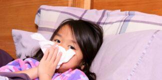 Hướng dẫn cách hút mũi cho trẻ em