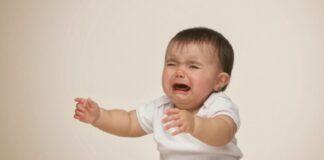Làm gì khi trẻ sơ sinh bị táo bón?