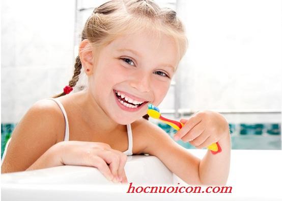 Nguyên nhân gây sâu răng bố mẹ cần biết