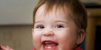 Làm gì khi trẻ mọc răng phát sinh tình huống