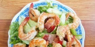 Salad tôm thịt nguội