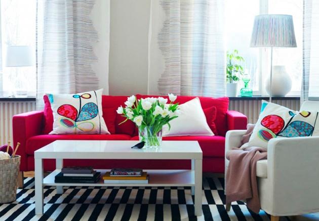 Đón Noel ấm áp với phòng khách màu đỏ rực rỡ