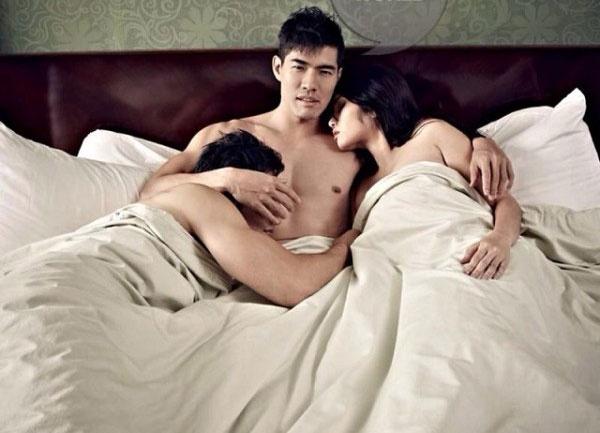 Cay đắng, bẽ bàng khi nhận ra chồng quan hệ với hai người phụ nữ sau lưng mình
