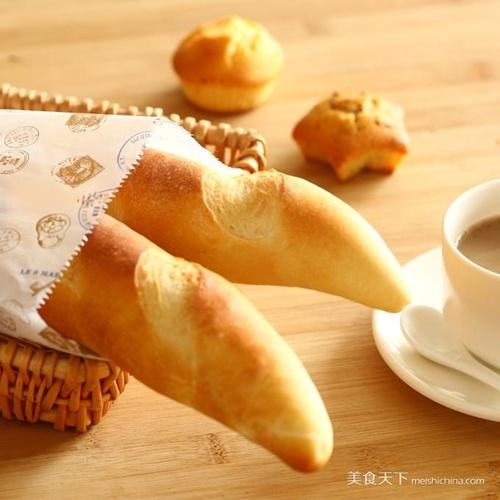 Cách làm bánh mì baguette thơm mềm chuẩn vị Pháp 1