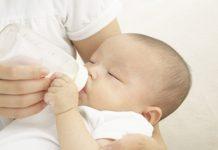 Không dung nạp lactose gây tiêu chảy ở trẻ sơ sinh