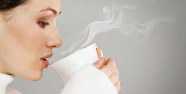 Detox bằng nước ấm cho mùa đông lạnh giá
