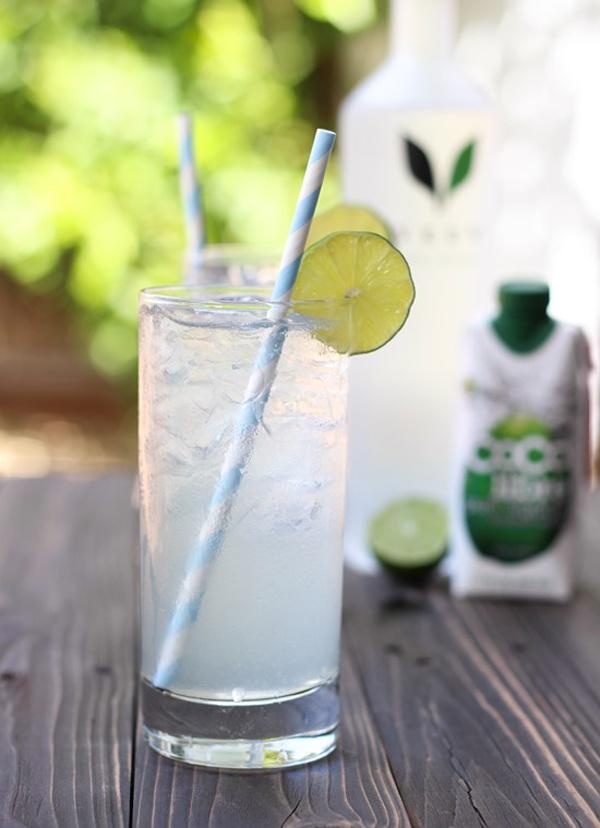 Đẹp da với 5 công thức đồ uống từ nước dừa