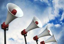 Công sở ồn ào vì mạng xã hội và chuyện