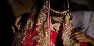 """Những bức ảnh """"biết nói"""" về thân phận cô dâu Bangladesh 15 tuổi"""