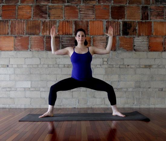 Bài tập yoga giúp giảm đau lưng cho mẹ bầu