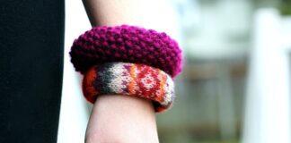 Làm mới vòng đeo tay từ áo len cũ siêu đơn giản