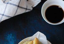 Cách làm bánh rán nhân trứng lá hẹ đơn giản mà tuyệt ngon