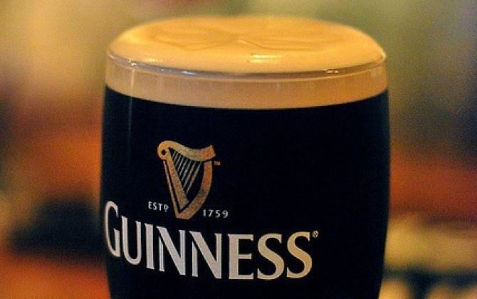Nếm bia Guinness và tận hưởng hương vị ngon lạ