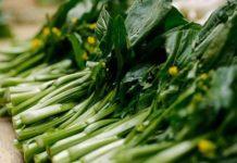 5 loại rau phun nhiều thuốc nhất