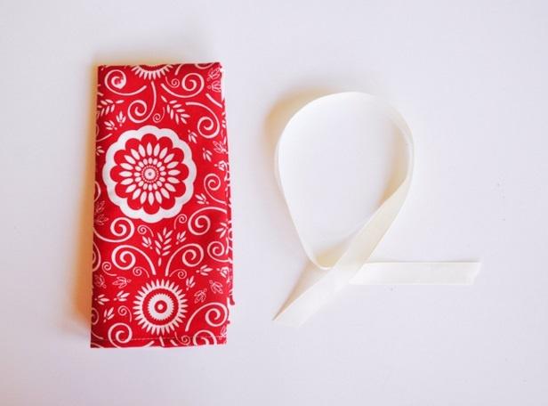 Làm túi đựng dụng cụ trang điểm xinh như một món quà