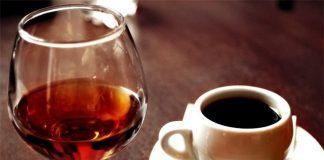CẨN TRỌNG: Sau khi uống rượu đừng dùng cà phê