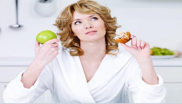 10 loại thực phẩm da mụn không nên tiêu thụ