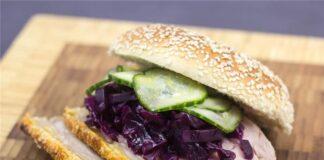 Ngon 'tái tê' bánh mỳ kẹp thịt Đan Mạch
