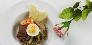 Bữa sáng cực chất với mỳ lạnh kiểu Hàn