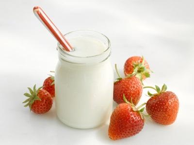 Cách làm sữa chua dẻo đẹp da, giữ dáng