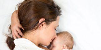 Nuôi con bằng sữa mẹ: Tốt cho mẹ, lợi cho con