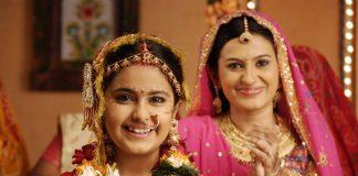"""Cận cảnh một đám cưới ở Ấn Độ làm """"rung chuyển"""" thế giới"""
