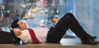 Làm việc trước 9 giờ sáng ảnh hưởng đến sức khỏe thế nào?