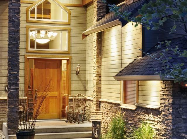 Cửa ra vào nhà bạn đã đúng phong thủy chưa?