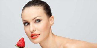 Tự làm mặt nạ dâu tây giúp làn da căng mịn