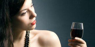 6 thói quen ăn uống khiến da lão hóa