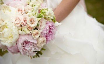 Cách giữ hoa cưới tươi lâu giúp cô dâu xinh đẹp rạng rỡ