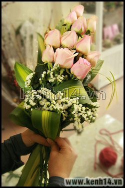 Cách bó hoa hồng thể hiện sự trân trọng - 4