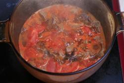 Làm sao để nấu bò hầm cà chua? - 10
