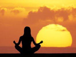 Mẹo tránh ăn uống vô độ do căng thẳng