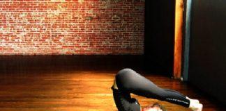 6 tư thế Yoga kéo dãn giúp bạn trẻ mãi - 1
