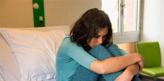 Chồng - cô hàng xóm và sự dại dột của người vợ