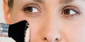Cách chọn phấn trang điểm hợp da đánh không bị mốc và nổi mụn