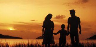 Sống sao để cha mẹ cảm thấy hạnh phúc và yên lòng?