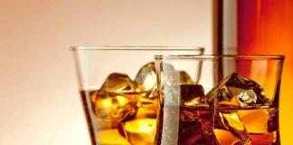 Cách làm mặt nạ dưỡng da bằng rượu whisky