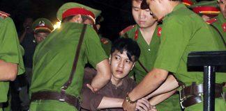 Chủ mưu thảm sát 6 người ngã quỵ khi nhận án tử hình