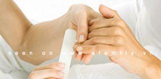 Hướng dẫn tẩy sơn móng tay đúng cách với Acetone