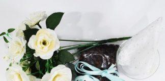 Cách cắm hoa với cafe vừa đẹp vừa giúp khử mùi tốt