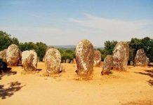 Vòng đá cromlec và truyền thuyết về những người phụ nữ thần bí