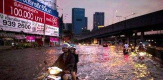 Thái Lan huy động máy bơm cứu Bangkok
