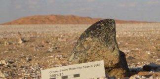 Tìm kiếm thiên thạch ở sa mạc của tiểu vương quốc Ô-man