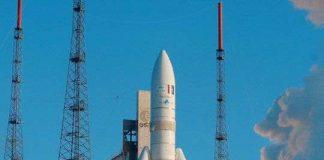 Tên lửa Ariane đưa 2 vệ tinh viễn thông lên quỹ đạo