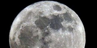 Nước trên Mặt trăng nhiều tương đương Trái đất
