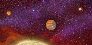"""Phát hiện hành tinh lạ có tới 4 """"ông Mặt trời"""""""