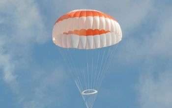 Ngăn ngừa thảm họa rơi máy bay bằng cách lắp dù