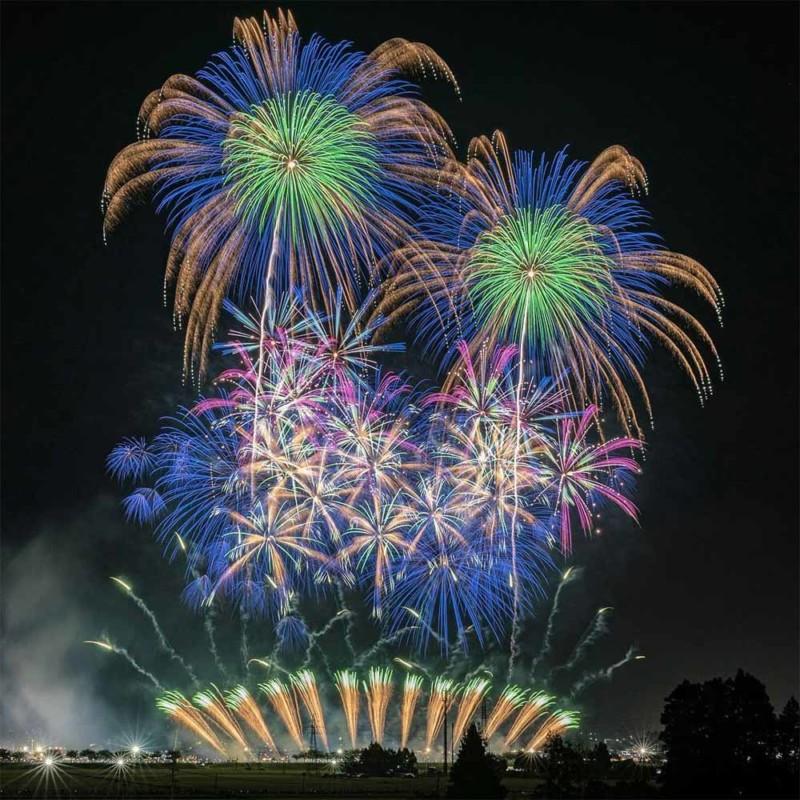 Những bức ảnh chói lọi của các lễ hội pháo hoa hè ở Nhật Bản
